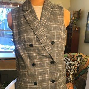 Woman's large formalwear vest